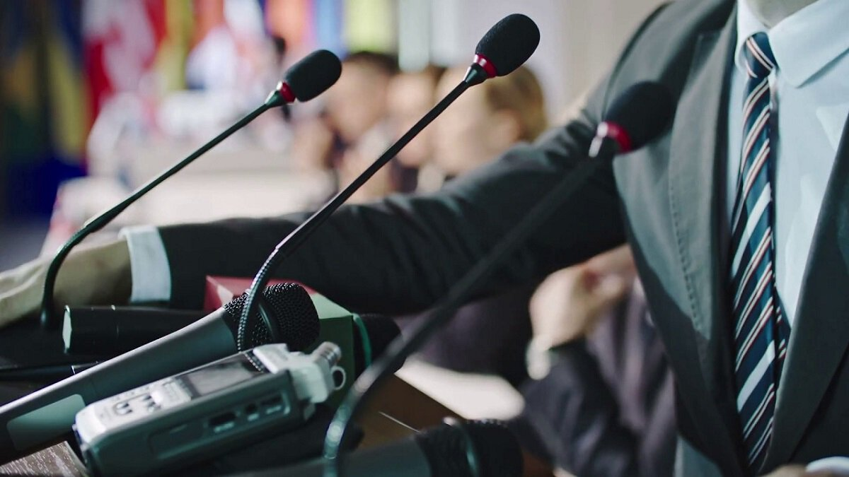 Why Do We Need to Hire Simultaneous interpretation for Events?